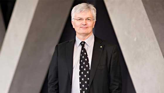 Vice-Chancellor Professor Glyn Davis AC
