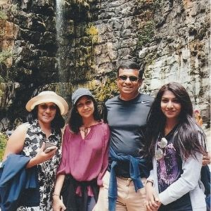 Rav and her family in Sri Lanka